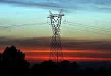 Senadores de EU presionan por reformas energéticas