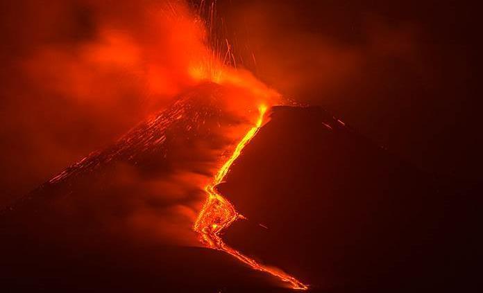 Definen la estructura interna del volcán Etna y sus zonas de acumulación de magma