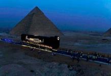 El viaje suicida del barco funerario de Keops en la meseta de las pirámides