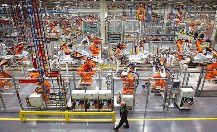 Se recupera actividad industrial; crece 1.1% en julio: Inegi