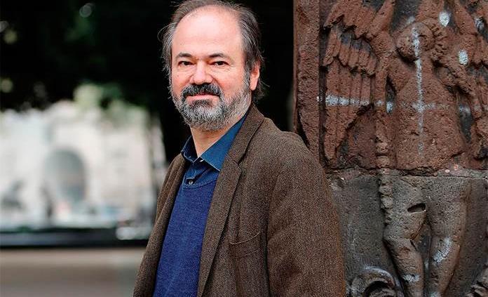 Juan Villoro evoca el fantasma de Ramón López Velarde en Retrato hablado