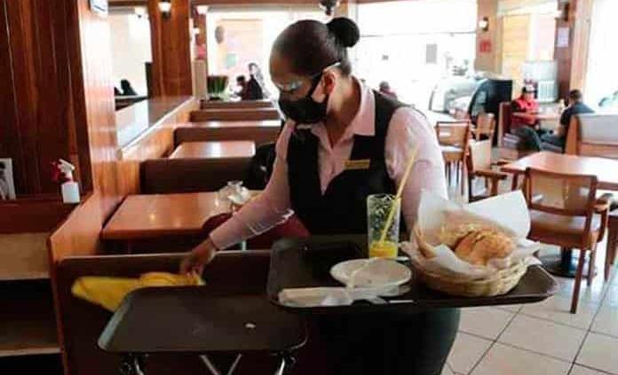 Restaurantes podrán operar hasta la medianoche 15 y 16 de septiembre