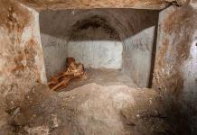 Hallan tumba con cuerpo momificado en Pompeya: el misterio de Marcus Venerius