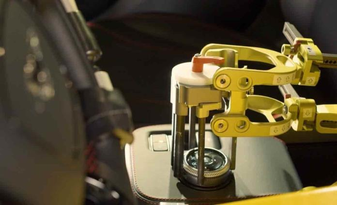 Robots hacen pruebas de manejo para Ford