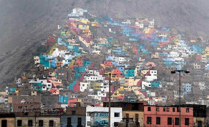 Lima, la gris, explota de color con un mural colosal