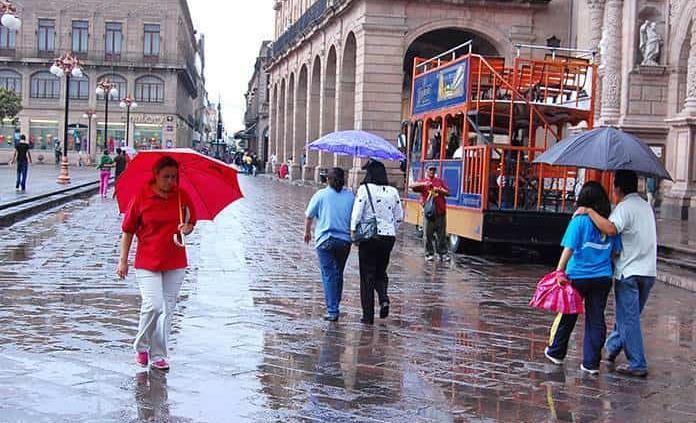 Continuarán las lluvias este jueves en la capital, alerta Protección Civil