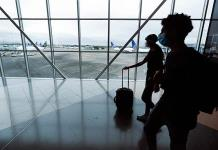 Ilegal, que aerolíneas cobren equipaje de mano, señala Profeco