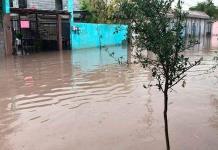 "Obra ""chafa"" inunda casas"