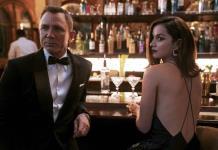 El príncipe Carlos y los duques de Cambridge, en el estreno de James Bond