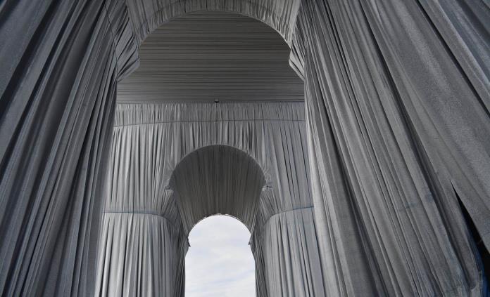 El sueño de Christo de empaquetar el Arco de Triunfo, a punto de ser realidad