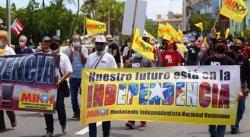 Cientos de puertorriqueños protestan contra la anexión de la isla a EE.UU.