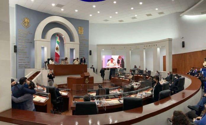 Tres diputados, ausentes en el último informe de la LXII Legislatura