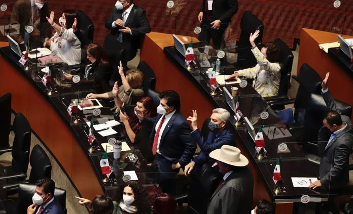 Senadores hacen coperacha para damnificados de Grace
