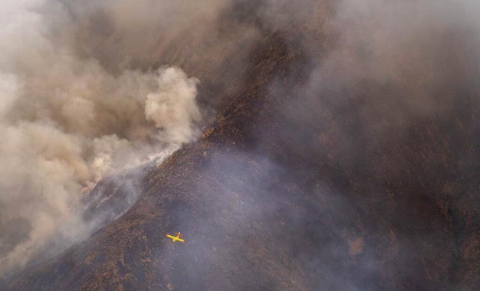 La lluvia ayuda a controlar gran incendio en sur de España