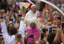 El papa invita a los jóvenes a la fidelidad  y a no banalizar el amor