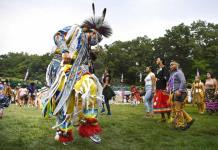 Aumenta enseñanza sobre historia de tribus norteamericanas