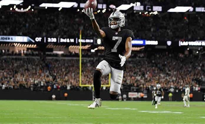 Derek Carr sella victoria de Raiders sobre los Ravens