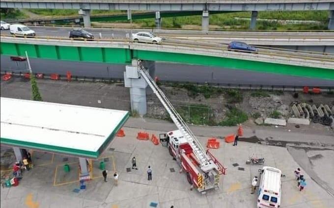 Cierran puente que conecta Chalco con autopista México-Puebla