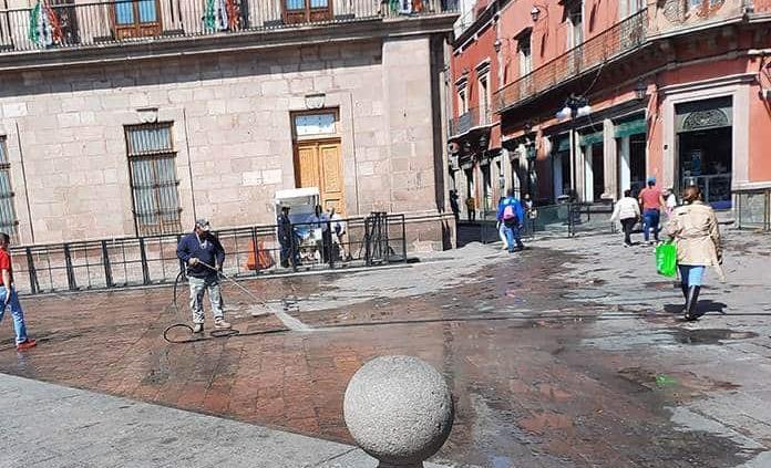 Plaza de Armas luce sin ambulantes por celebración de Independencia
