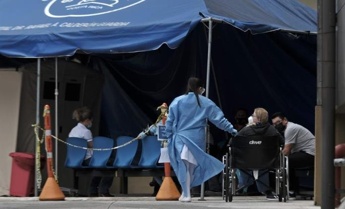 Costa Rica restablece restricciones a movilidad ante repunte de la covid-19
