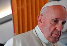 El papa apoya leyes civiles para las parejas homosexuales, pero no matrimonio