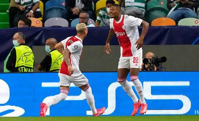 El Ajax aplasta al Sporting con póquer de Haller