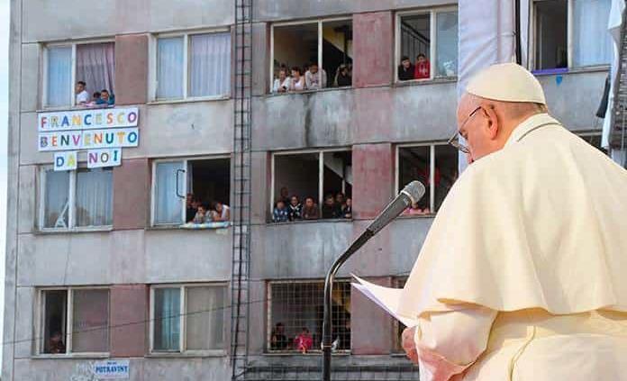Papa: Gitanos han sido víctimas de prejuicios