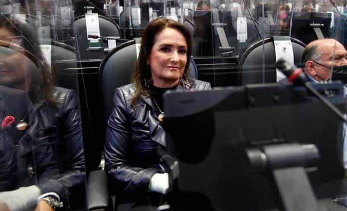 Patricia Armendáriz pide a Lilly Téllez seriedad y ponerse a legislar