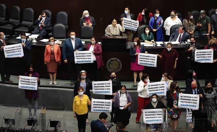 Sigo siendo el fiscal de Morelos: Uriel Carmona