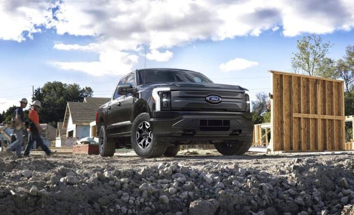 Ford contratará más personal por demanda de F150 eléctrica