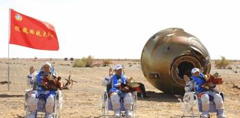 Astronautas chinos vuelven a Tierra tras misión de 90 días