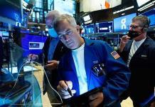 Wall Street y la BMV cierran en rojo