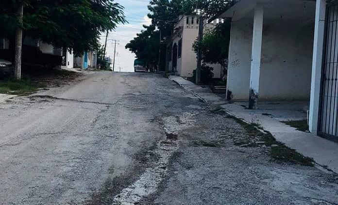 Acusan a Matilde Hdz. de tirar aguas negras en la calle