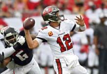 Tom Brady amplía racha ganadora de Buccaneers en exhibición ante Falcons