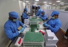 India reanudará exportación y donación de vacunas COVID-19