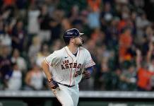 Astros remontan y vencen a Dbacks