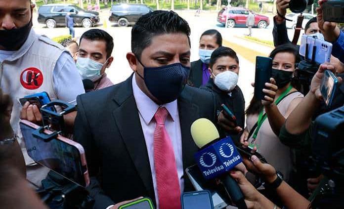 Gallardo anuncia licencias gratuitas para el próximo lunes; confía en aval de Congreso