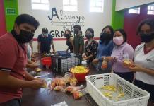 Alumnos salesianos llevan alimento y mensajes de esperanza a los migrantes