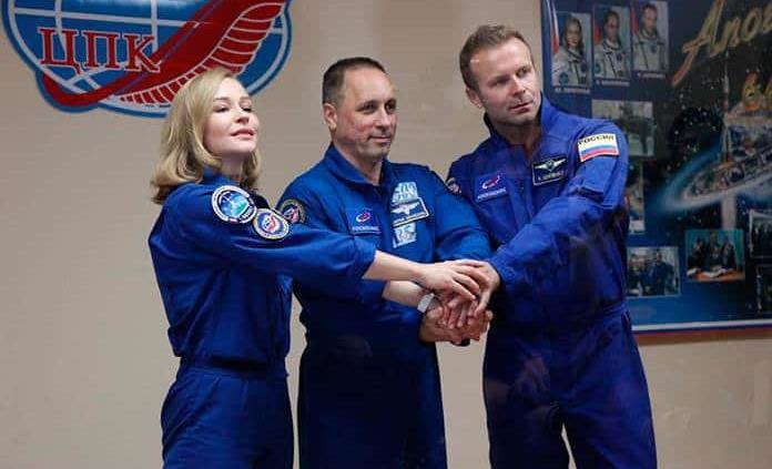 Todo listo para lanzamiento tripulación que grabará primera película en el espacio