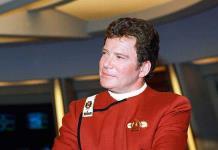 El Capitán Kirk se lanza al espacio