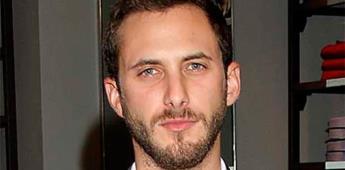 Sebastián Zurita será el hermano y confidente de Luismi en serie