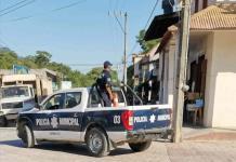 Delincuente armado con un cuchillo perpetra atraco en zapatería de Aquismón