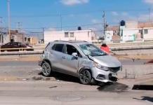 Un herido y fuertes daños, saldo de accidente