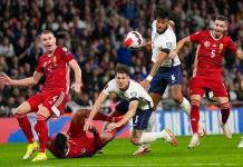Frenazo de Inglaterra ante Hungría