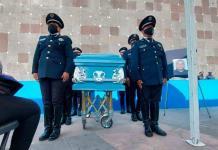 Rinden homenaje a policía fallecido tras 19 años de servicio