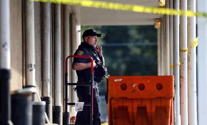 Tiroteo en oficina postal de Tennessee deja tres muertos