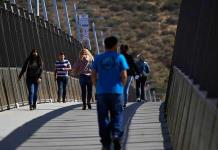 Residentes fronterizos de EEUU celebran reapertura