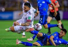 Los campos de Concacaf afectan de nuevo a Selección Mexicana