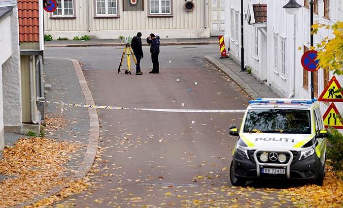 Ataque mortal con arco y flechas en Noruega apunta a atentado terrorista