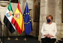 Reducir emisiones será un trabajo muy duro, advierte Merkel